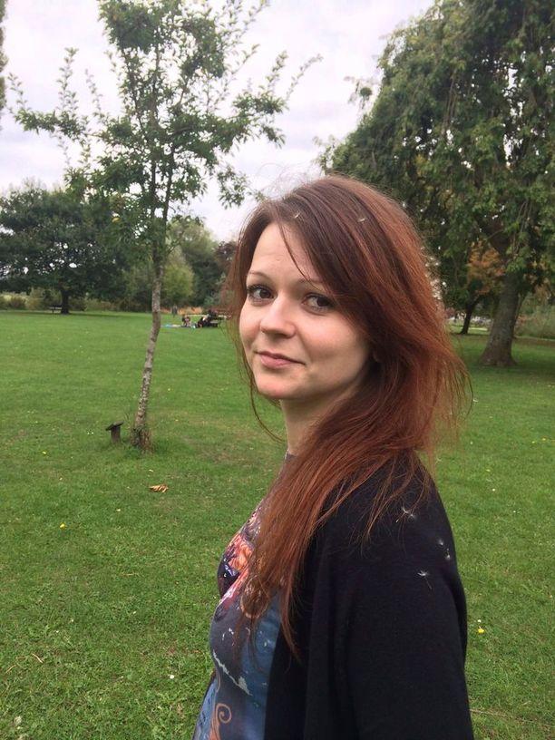 Julia Skripal makasi kaksi viikkoa sairaalassa tajuttomana sen jälkeen, kun hänet ja hänen isänsä yritettiin murhata.