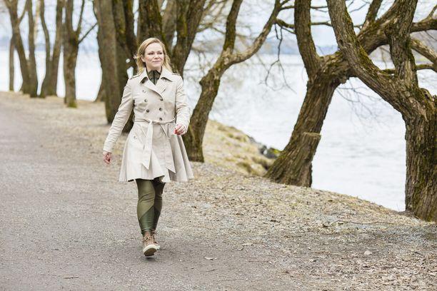 Biancaneve-merkin fokuksen siirtyminen fitness-bikineistä legginseihin, housuihin ja takkeihin liittyy Elina Louerannan omien arvojen muutokseen.