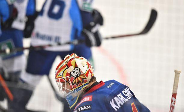 Jokerien Henrik Karlssonin KHL-avaus ei mennyt aivan putkeen. Omiin meni viisi.