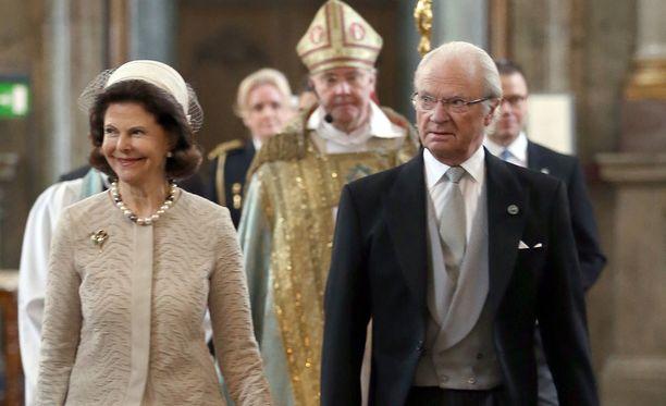 Viime perjantaina kuningaspari edusti kiitosjumalanpalveluksessa.
