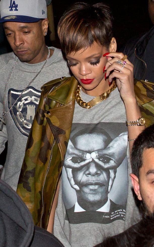 Rihanna vietti sunnuntaina aikaa yökerhossa Hollywoodissa.