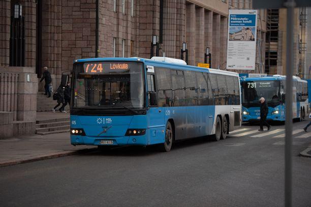 HSL:n bussit ovat olleet torstaista asti kovassa käytössä.