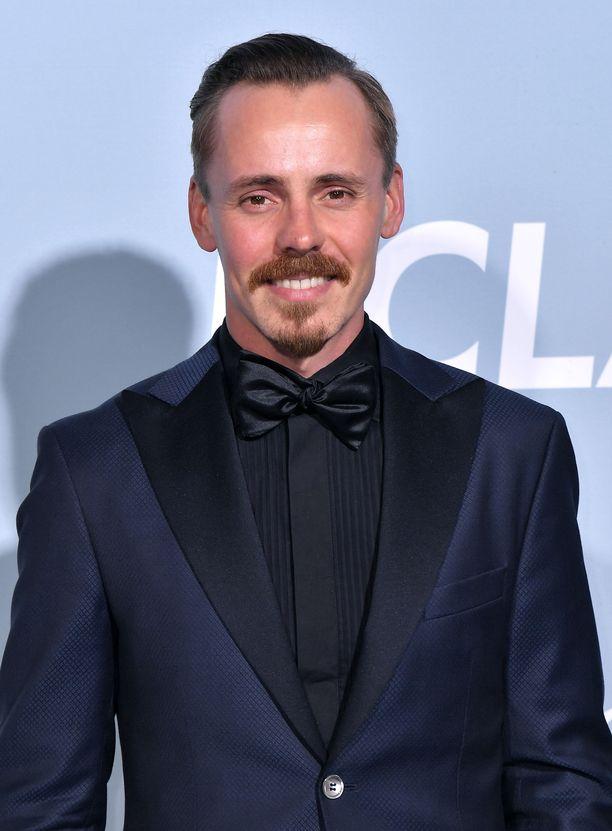 Jasper Pääkkönen osallistui ennen Oscar-gaalaa muun muassa Hollywood for Science -gaalaan.