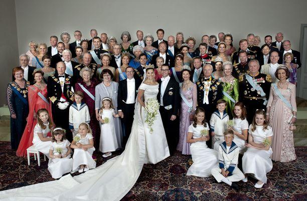 Victoria ja Daniel avioituivat vuonna 2010. Morsiuslapsina oli kummilapsia, muun muassa Ingrid Alexandra ja Christian.