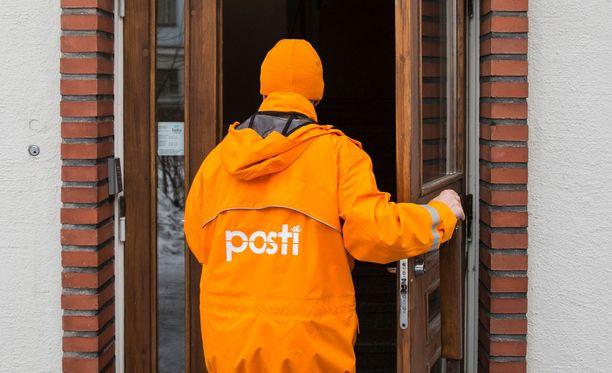 Postin palvelukseen siirtyneiden palkkoja kompensoidaan niin, että ansiotaso turvataan helmikuun loppuun asti. Kuvituskuva.