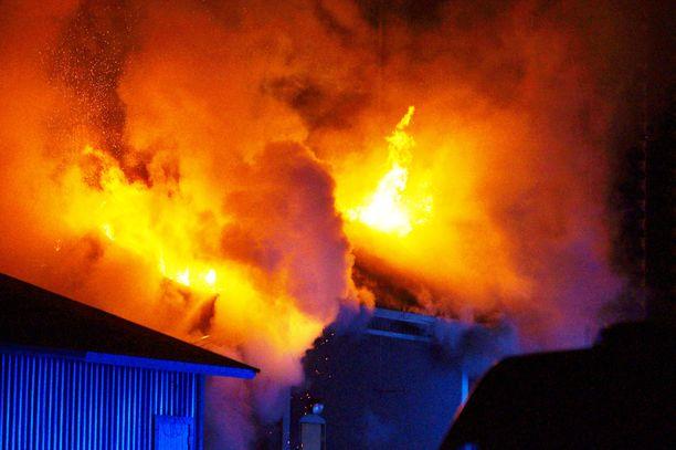 Rakennuspalo syttyi varhain sunnuntaina Marttilassa.