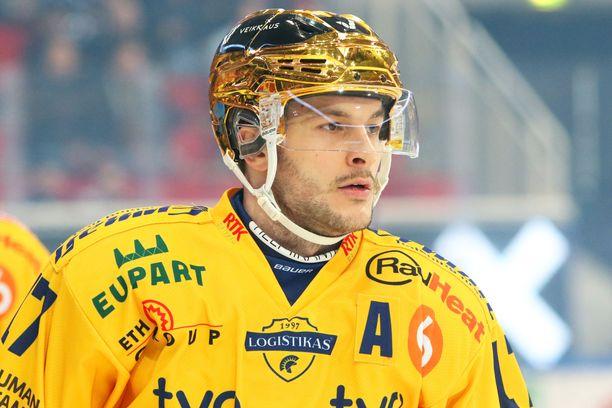 Justin Danforth palkittiin Kultaisella kypärällä.