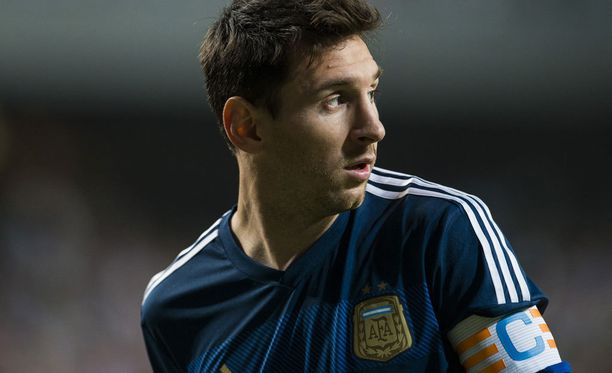 Lionel Messi lomailee olympialaisten aikana.