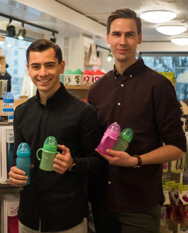 Edon Ramadani (vasemmalla) ja Andreas Bengtsson luotsaavat Everyday Baby -yritystä. Kolmas osakas, Fredrik Persson puuttuu kuvasta.