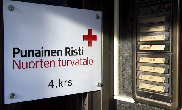 Hämeenkatu 22. SPR:n nuorten turvatalo. Punainen Risti. Moniko nuori tarvitsi paikkaa nuorten turvatalosta pääsiäisenä