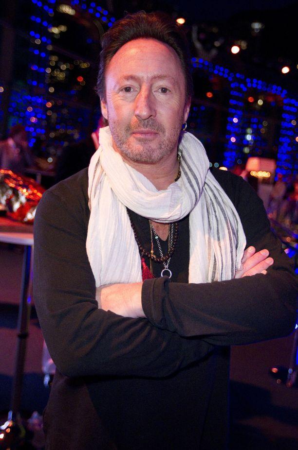 Julian Lennonin syntymämerkki äityi pahanlaatuiseksi kasvaimeksi.