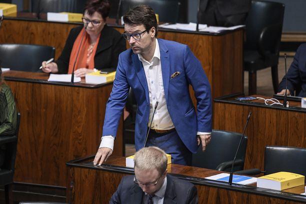 """Ville Niinistö kirjoittaa Facebook-sivuillaan """"rakastavansa vihreää puoluetta ja yhteistä liikettämme""""."""