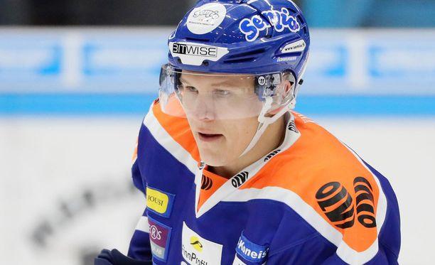 Jan-Mikael Järvistä lähinnä nauratti Brett Bulmerin tökkiminen.
