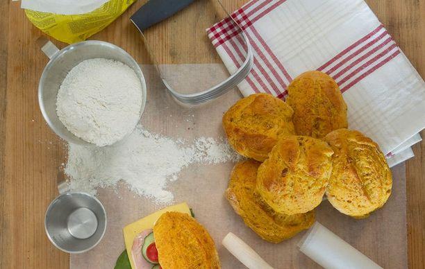Jos sämpylätaikinassa on liikaa jauhoja, tulee leipomuksista kovia.