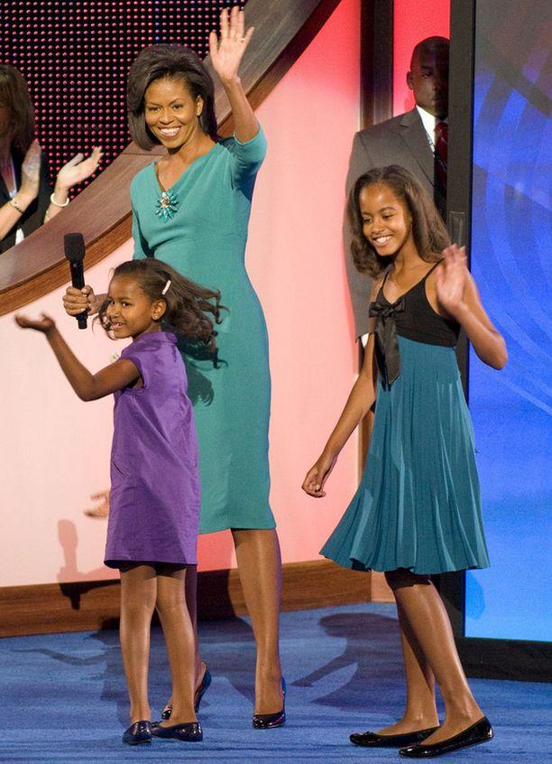 Obaman naiset vuonna 2008, kun perheenpää pyrki presidentiksi.