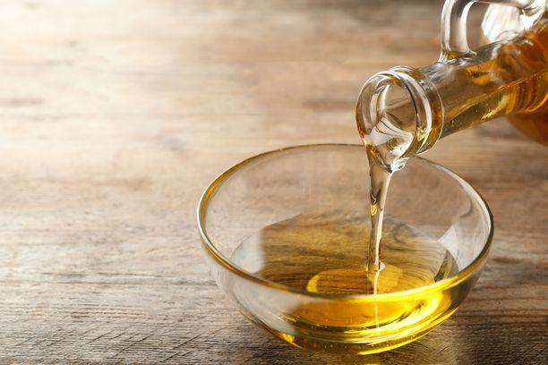 Edullinen rypsiöljy on hyvä valinta maksan rasvoittumisen kannalta.