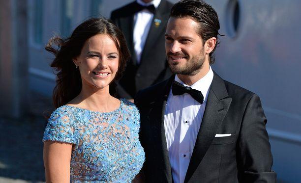 Sofia Hellqvist ja prinssi Carl Philip vihittiin kesäkuussa.
