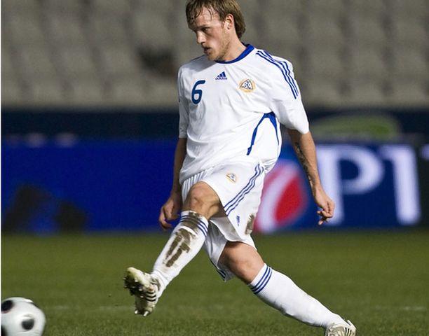 Vähän peliaikaa PSV Eindhovenissa saanut Mika Väyrynen halajaa jo pelaamaan.