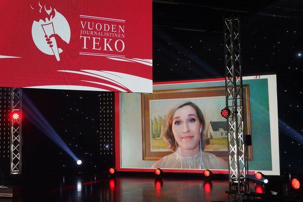 Ilmajoki-lehden entinen päätoimittajaTerhi Pirilä-Porvali palkittiin journalistisen päätösvallan puolustamisesta.