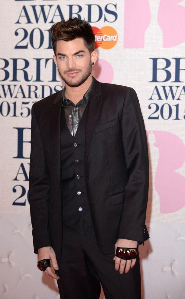 Adam Lambert valmistelee parhaillaan kolmatta albumiaan, joka ilmestyy tänä vuonna. Miehen edellisestä pitkäsoitosta on kulunut jo kolme vuotta.