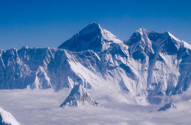 Maailman korkein vuori Mount Everest on majesteetillinen näky.