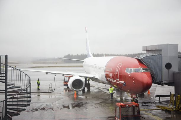 Norwegian lentää tällä hetkellä vain muutamia Norjan sisäisiä lentoja. Tarve lentäjille ja matkustamohenkilökunnalle on siis Ruotsissa ja Tanskassa olematon.