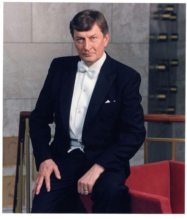 Perttu teki pitkän uran teatterissa ja hänet muistetaan myös tv-rooleistaan. Kuva vuodelta 1998.