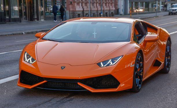 Lamborghinin vuokra oli noin 700 euroa päivässä.