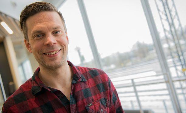 Mikko Nousiainen asteli avioon Linda-rakkaansa kanssa lauantaina.