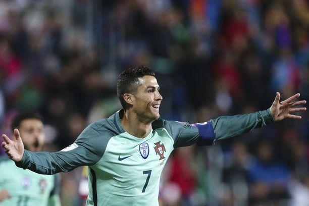 Cristiano Ronaldo on yhden varoituksen päässä pelikiellosta. Jatkokarsinnan kannalta tilanne on huolestuttava.