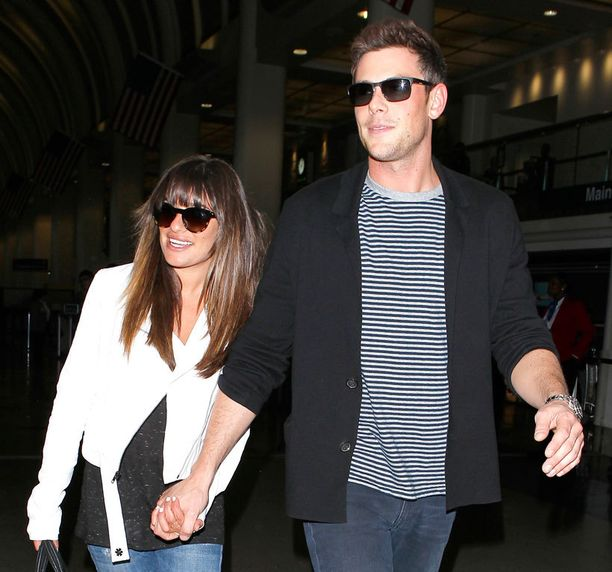 Cory Monteith kuvattiin kesäkuussa tyttöystävänsä Lea Michelen kanssa.
