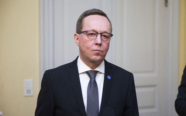 Veroasiantuntija Reijo Kostiaisen mielestä ministeri Mika Lintilän Fortum-puheet ontuvat pahasti.