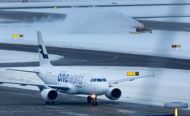Finavialla on täysi talvivalmius päällä. Arkistokuva.
