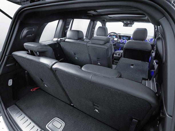 Autoon saa myös kolmannen istuinrivin.