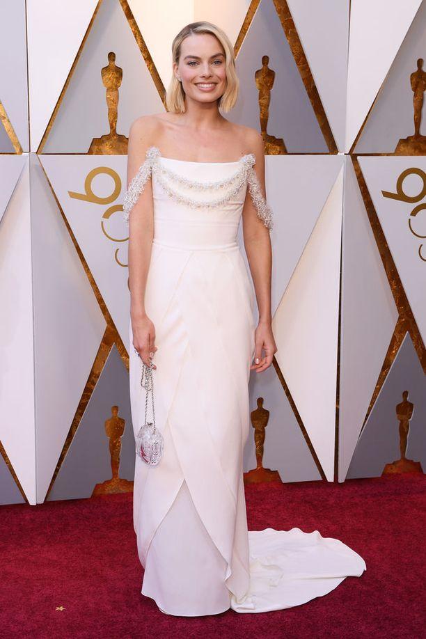 Margot Robbie Chanelin couture-luomuksessa.