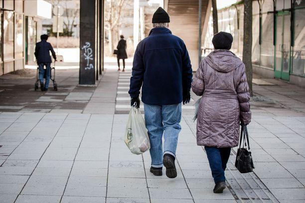 Koronatilanteen taas pahetessa liikuntamahdollisuuksista jää usein jäljelle vain käveleminen.