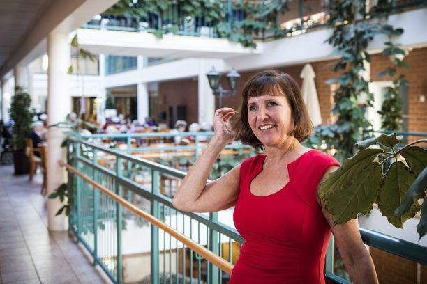 Esperi Caren toimitusjohtaja Marja Aarnio-Isohanni ilmoitti tiistaina lähtevänsä yhtiön johdosta.