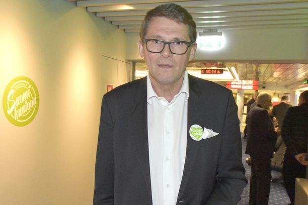 Keskustan presidenttiehdokas Matti Vanhanen toivoo Sipilän jatkavan.