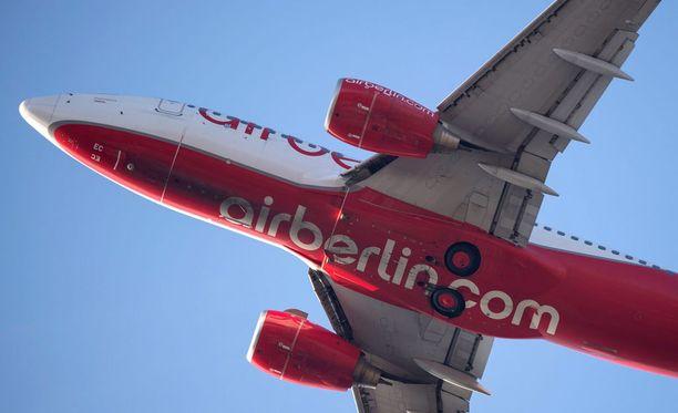 Saksan toiseksi suurin lentoyhtiö Air Berlin vähentää jopa 1 200 työpaikkaa.