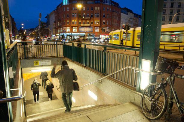Berliinin Rosenthaler Platzin saavuttaa kätevästi metrolla.