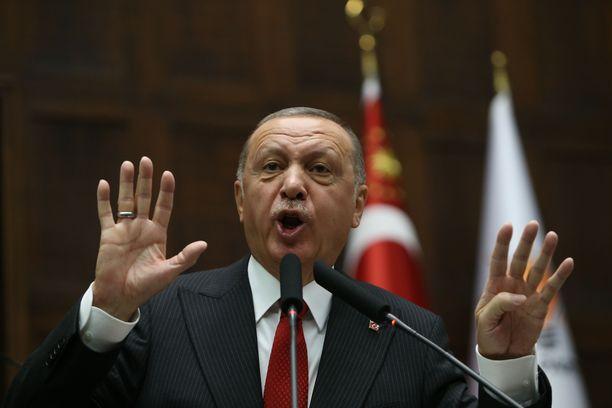 Presidentti Erdogan tapaa Trumpin huomenna keskiviikkona.