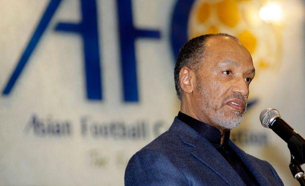 Bin Hammam on jo aiemmin saanut Fifalta jalkapalloon elinikäisen toimintakiellon.
