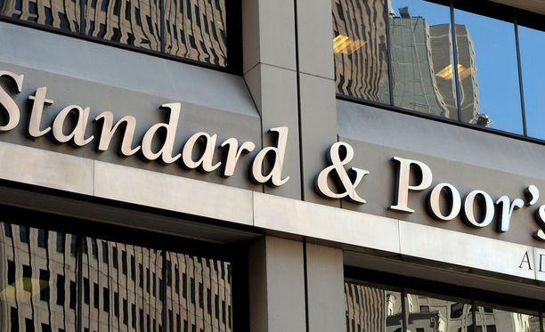 Luottoluokitusyhtiö Standard & Poor'sin mukaan brexit-äänestyksen tulos heikentää maan talouden ennustettavuutta ja vakautta.