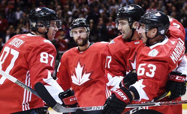 Sidney Crosbyn, Patrice Bergeronin ja Brad Marchandin ketju teki pikamaalin ja varmisti Kanadan voiton toisella maalilla.