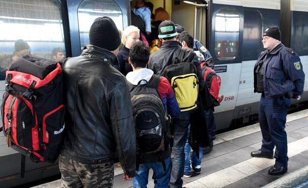 Ruotsin poliisilla ei ole tietoa, kuinka moni käännytyspäätöksen saanut on jäänyt maahan laittomasti.