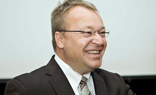 Stephen Elop esiintyi harvinaisen avoimena Hjallis Harkimon haastattelussa.