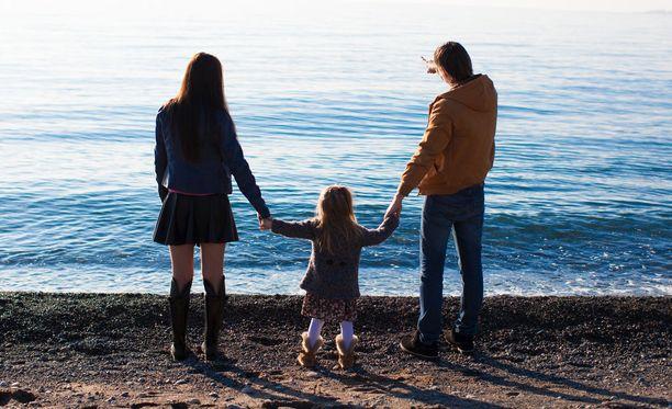 Vanhempien yhteistyön pitäisi jatkua, vaikka parisuhde päättyisi.