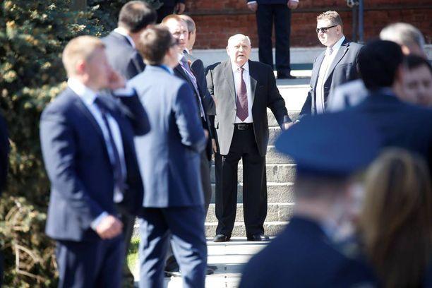 Voitonpäivän juhlallisuuksiin osallistui myös Neuvostoliittoa johtanut Mihail Gorbatšov.