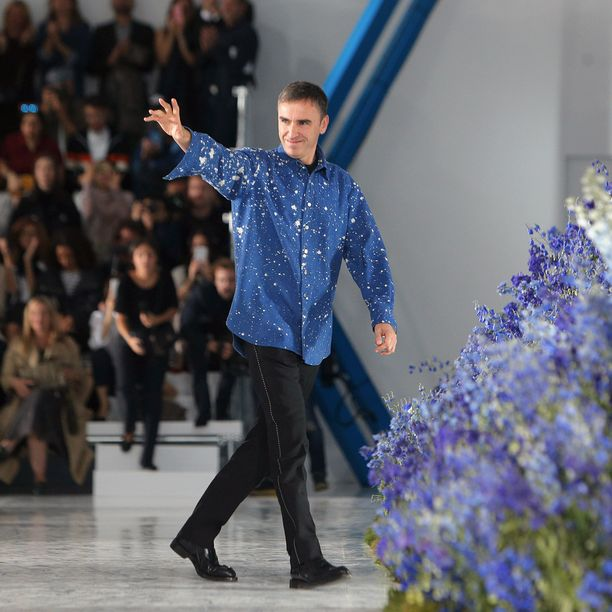 Diorin kevät-kesä 2016 mallisto jäi Raf Simonsin viimeiseksi.