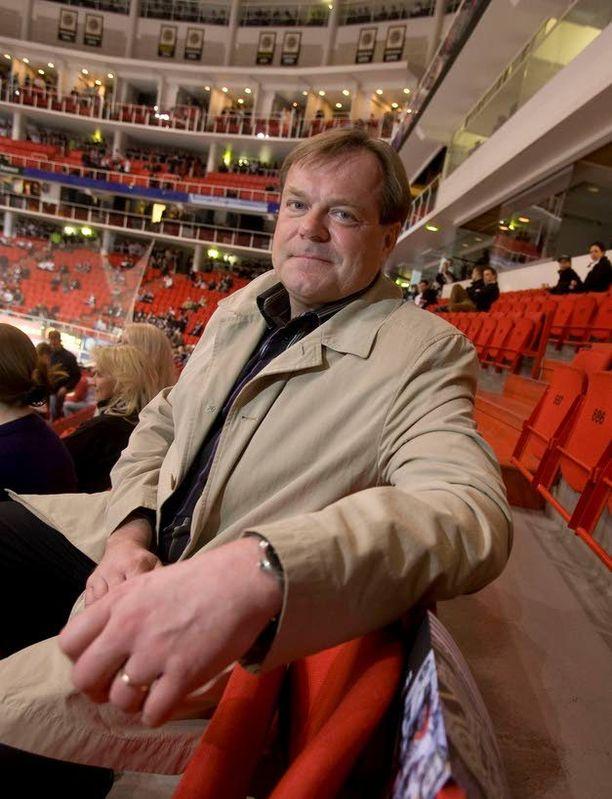 JP Jalon sydäninfarktia hoidettiin pallolaajennuksella.